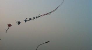 Vlieger in de avond in Peking
