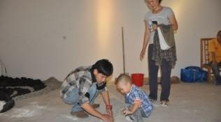 Chinese people help teaching